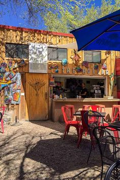 New Mexico Road Trip, Road Trip Usa, Mexico Travel, Cool Restaurant, Outdoor Restaurant, Best Places To Eat, Cool Places To Visit, Sante Fe New Mexico, Santa Fe Restaurants