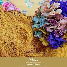 💃🌸Tu #look de #flamenca te espera en #BlancoAzahar.   #TodosLosColores en más de 100 tipos de flores.    #ModaFlamenca #FeriadeAbril #FeriadeAbril2018 #Sevilla #floresflamenca #Mantoncillo #Flordeflamenca #Pendientesdeflamenca Jewelry, Orange Blossom, Types Of Flowers, Flamingo, Sevilla, Jewlery, Jewerly, Schmuck, Jewels