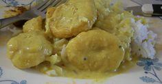 南インドでよくたべられている、カディーという名のカレーです。なかにはいる具は、ヒヨコマメの粉から作った大きな揚げ玉みたいなもの。新しい味です!