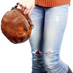 Круглая дизайнерская сумка из мытой кожи