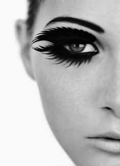 The best DIY projects & DIY ideas and tutorials: sewing, paper craft, DIY. DIY & Tips Makeup 2017 / 2018 crazy eye make-up. looks like feathers. Beauty Make Up, Hair Beauty, Thick Lashes, False Lashes, Big Lashes, Natural Lashes, Natural Lips, Fantasy Makeup, Makeup Trends