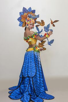 Circus Halloween Costumes, Mardi Gras Costumes, Carnival Costumes, Cool Costumes, Mode Baroque, Flower Costume, Beautiful Costumes, Fairy Dress, Costume Collection