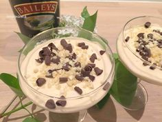 Baileys cheesecake - opskrift på en skøn dessert - Helt op til månen Baileys Cheesecake, Mousse, Toffee Bars, Frozen Yoghurt, Trifle Desserts, Baileys Irish Cream, Banana Cream, Recipes From Heaven, Deli