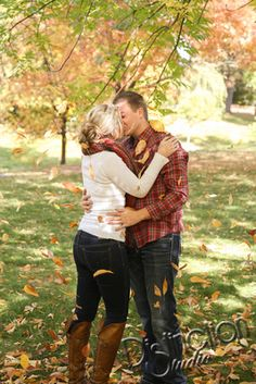 Fall Engagement Session by Distinction Studio #DistinctionStudio based out of Spokane, Washington but always available to travel! Such a fun fall, leaves, colorful, cute couple, engagement picture session engagement photography