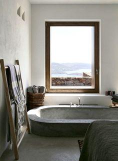 Le luxe ultime ? Prendre un bain avec vue... (photo Ioanna Roufopoulou)