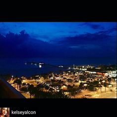 View of #clearwaterbeach from @jimmyscrowsnest #beachview #dinningwithaview #waterview #oceanview #rooftopbarincleatwater #restaurantswithviews