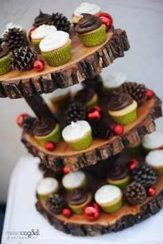 Items similar to Rustic 3 tiered custom wood tree slice cupcake stand for wedding or party - Medium Size on Etsy 3 Tier Cupcake Stand, Cupcake Tree, Cupcake Stand Wedding, Tiered Stand, Cupcake Cakes, Diy Cupcake, Tree Slices, Wood Slices, Mini Desserts