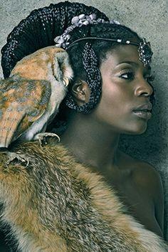 Title : Julie  Maquillage : Valérie Baldacon, audrey@Dapurpleoriginale   Coiffure : Aimée Keissa