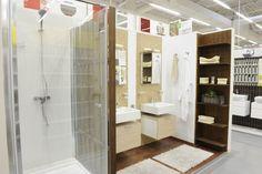 Un design aproape de ideal al unei camere de baie la Leroy Merlin. Mai lipseste doar palmierul!