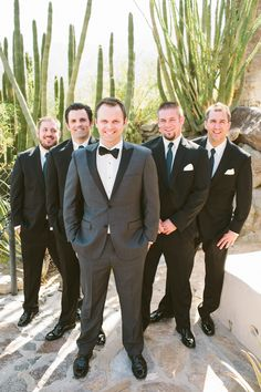 we love a #Groom in a #tux Photography: Laura Goldenberger - www.lauraphotographs.com