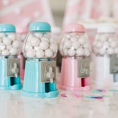 I'm going through the photos from Kate's birthday party and look at these adorable mini gumball machines! Perfect party favors! We just added them to our shop too! shoptomkat.com #tomkatstudio #birthdayparty #kateiseight photo by @rennaihoefer