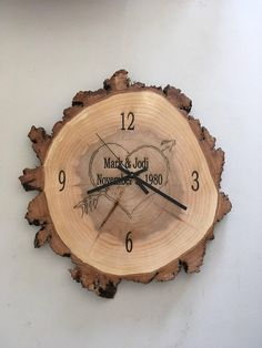 inch x 1 inch) Willow Wood Slice with Personalized Engraving : CLOCK inch x 1 inch Willow Wood Slice with Wood Slice Crafts, Wood Burning Crafts, Wood Burning Patterns, Wood Burning Art, Wall Clock Wooden, Wood Clocks, Willow Wood, Wall Clock Design, Diy Clock