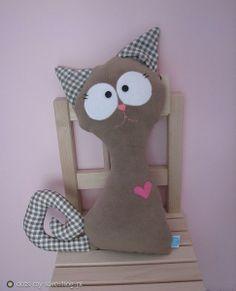Ambrosial Make a Stuffed Animal Ideas. Fantasting Make a Stuffed Animal Ideas. Sewing Toys, Sewing Crafts, Sewing Projects, Cat Crafts, Animal Crafts, Fabric Animals, Cat Quilt, Cat Pillow, Fabric Toys