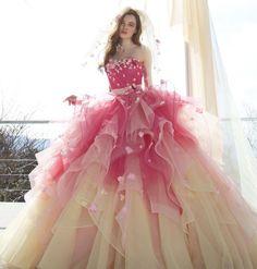 "899 Likes, 10 Comments - Kiyoko Hata (@kiyoko_hata) on Instagram: ""#weddingdress #dress #couturefashion #instafashion #flowerdress #cute #ウエディングドレス#ドレス#カラードレス…"""