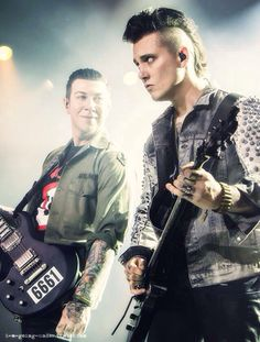 Zacky Vengeance and Synyster Gates, oh just look at those two suckers, I just wanna hug the fuck out of them ;)