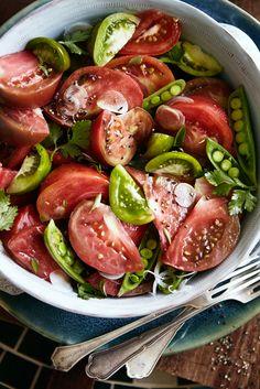 Heirloom Tomato, Sugar Snap Pea, Shaved Sweet Onion & Herb Salad