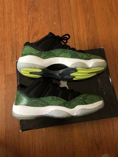 5ce81fbb6a20 AIR JORDAN RETRO 11 SNAKESKINS LOW XI BLACK NIGHTSHADE GREEN VOLT SIZE 8.5   shoes