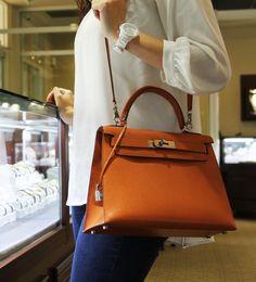 Orange Hermes Kelly! So in Love! http://sellyourhandbag.com/handbags/products-page/hermes/hermes-kelly-28cm-sellier-epsom-orange-handbag-purse/