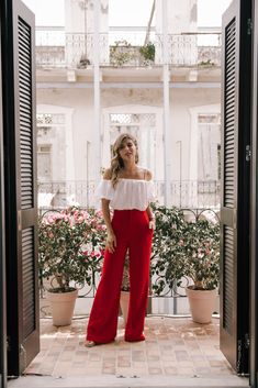 Best Petite Shopping Tips if You're Under by Pam Hetlinger - Wide Leg Pants, High Waisted Pants, Red Trousers Outfit, Flowy Pants Outfit, Summer Pants Outfits, High Waisted Flowy Pants, Wide Leg Pants Outfit Summer, Red Wide Leg Pants, Red Pants, Jumper Pants, Wide Trousers