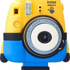 Ist euch schon aufgefallen, dass die gelbe #instaxmini8 wie ein Minion aussieht??? Es fehlte nur die blaue Hose!