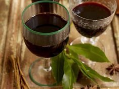Jamie's Best Ever Christmas - Articles - Jamie's Mulled Wine Recipe - All 4