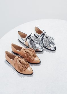 Menswear inspired Oxford loafers with tassels by Loeffler Randall - Sexy High Heels Women Shoes - Sexy High Heels Women Shoes Pretty Shoes, Beautiful Shoes, Crazy Shoes, Me Too Shoes, Look Fashion, Fashion Shoes, Fashion 2018, Oxfords, Tassel Loafers