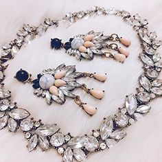 Dazzling Vintage-Inspired Statement Necklace #fashion #jewelry #ootd #style - 24,90 € @happinessboutique.com