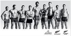 Solo muscoli e tattoo: gli All Blacks in mutande