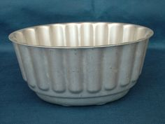 Retro Aluminium Jelly or Blancmange Mould Legacy Antiques and Collectibles Ltd Blancmange, Jelly, 1950s, Retro, Antiques, Tableware, Antiquities, Antique, Dinnerware
