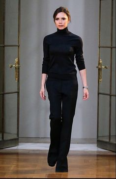 Smart Casual Work, All Black Outfit, Black Outfits, Victoria Beckham Style, Business Outfits, Business Clothes, Color Negra, Fashion Over, Classic Looks