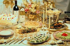 Elegant Table with -Christmas Food Ideas | Food