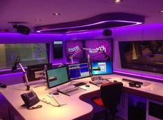 Smooth Radio studio in Leicester Square Smooth Radio, Love Radio, Dj Sound, Radio Design, News Studio, Studio Ideas, Sound Studio, Radio Personality, All About Music