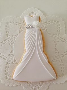 Galletas boda_Vestido Novia ♥C.Bonbon♥ http://c-bonbon.blogspot.co.uk/2013/12/wedding-cookies.html