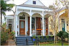 shotgun house new orleans Folk Victorian, Victorian Homes, Cozy Cottage, Cottage Homes, Cabana, Puerto Rico, New Orleans Architecture, Creole Cottage, House Shutters