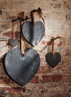 chalkboard hearts -- great way to leave love notes.love this idea but here is no link attached. I would just cut the hearts and spray with chalkboard paint. Chalk It Up, Chalk Board, I Love Heart, Small Heart, Chalkboard Paint, Chalk Paint, Chalkboard Signs, Heart Art, Be My Valentine