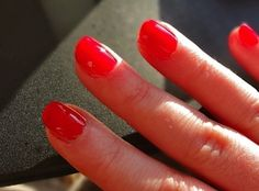 How to Make Your Own NEON Nail Varnish Colour (Using food coloring and clear polish. Havent tried yet...maybe tonight.) http://bit.ly/HKptm1