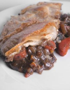 South African style wildsvleispastei (venison pie) is fantastic with yellow rice and a side dish of cooked dried peaches or quinches. How To Cook Venison, Venison Roast, South African Recipes, Ethnic Recipes, Dried Peaches, Venison Recipes, Restaurant Recipes, Yellow Rice