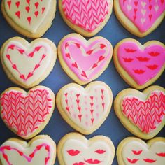 Valentine Cookie Frosting Tutorial with Royal Icing