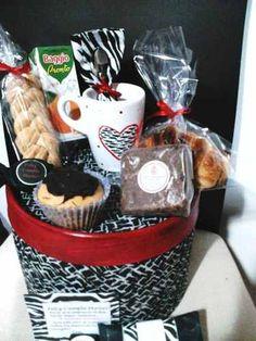 Desayuno Box Para Garndes Y Chicos!! Animal Print, Personaje - en MercadoLibre Sprinkles, Catering, Healthy Snacks, Valentines Day, Picnic, Favors, Candy, Breakfast, Crafts