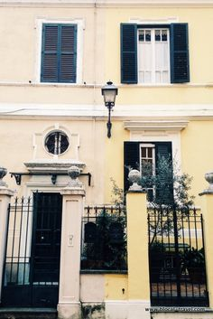 Multicultural Rome: travelling inside Rome - Little London (Flaminio) || Read my blogpost here: http://www.blocal-travel.com/italy/central-italy/lazio-italy/rome-italy/southern-rome/rome-ostiense/multicultural-rome/