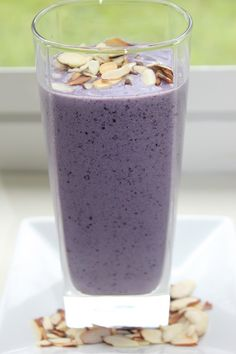 "How To Make A ""Belly Fat Reduction"" Smoothie ~ 1 cup almond milk plus water to desired consistency / 2 cup frozen blueberries / 1/4 frozen banana / 1/2 tbsp almond butter / 1 tbsp sliced almonds, toasted 1 scoop vanilla protein powder"