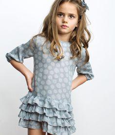 1073-gris-vestido-lunares-pilar-batanero