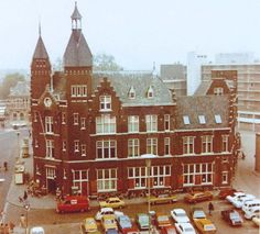 Dordrecht<br />Dordrecht: Het Postkantoor op de hoek van het Bagijnhof en het Achterom in 1975 net voor de sloop
