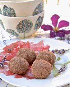 Pure and Simple Nourishment : Paleo Chocolate Raspberry Macaroons (Paleo, Dessert, No Added Sweetener)
