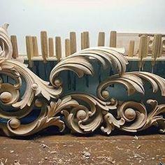 『AHMAD ALHAJ IBRAHIM』 (@ahmad_alhaj_ibrahim) • Instagram photos and videos Craft Wood Pieces, Gothic Pattern, Art Deco, Carving Designs, Acanthus, Wood Sculpture, Craft Patterns, Architecture Details, Wood Carving