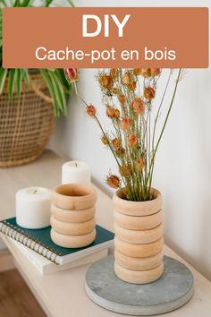 Cache pot en bois rond à faire soi-même DIY retro blog Clem Around The Corner Clem, Pots, Place Cards, Place Card Holders, Diy Room Decor, Cookware, Jars, Flower Planters