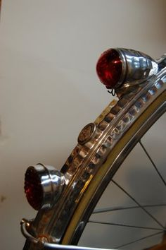 Luxor vintage French bike lights. J'adore.