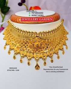 Ideas For Indian Bridal Jewelry Simple India Gold Bangles Design, Gold Jewellery Design, Gold Chocker Necklace, Gold Choker, Bridal Jewelry, Bridal Necklace, Jewelry Art, Jewlery, Gold Jewelry Simple