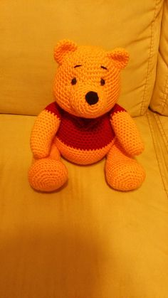 Amigurumi Winnie the Pooh - FREE Crochet Pattern / Tutorial it's in Spanish but really easy to figure out even without Google translate