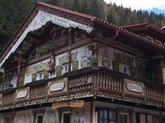 Bom dia! Casa característica em Canazei - Fassa Valley!  #dolomitas #italia #viagens #viajar